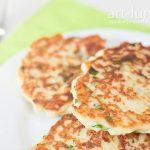 Картопляні оладки з сиром бринза